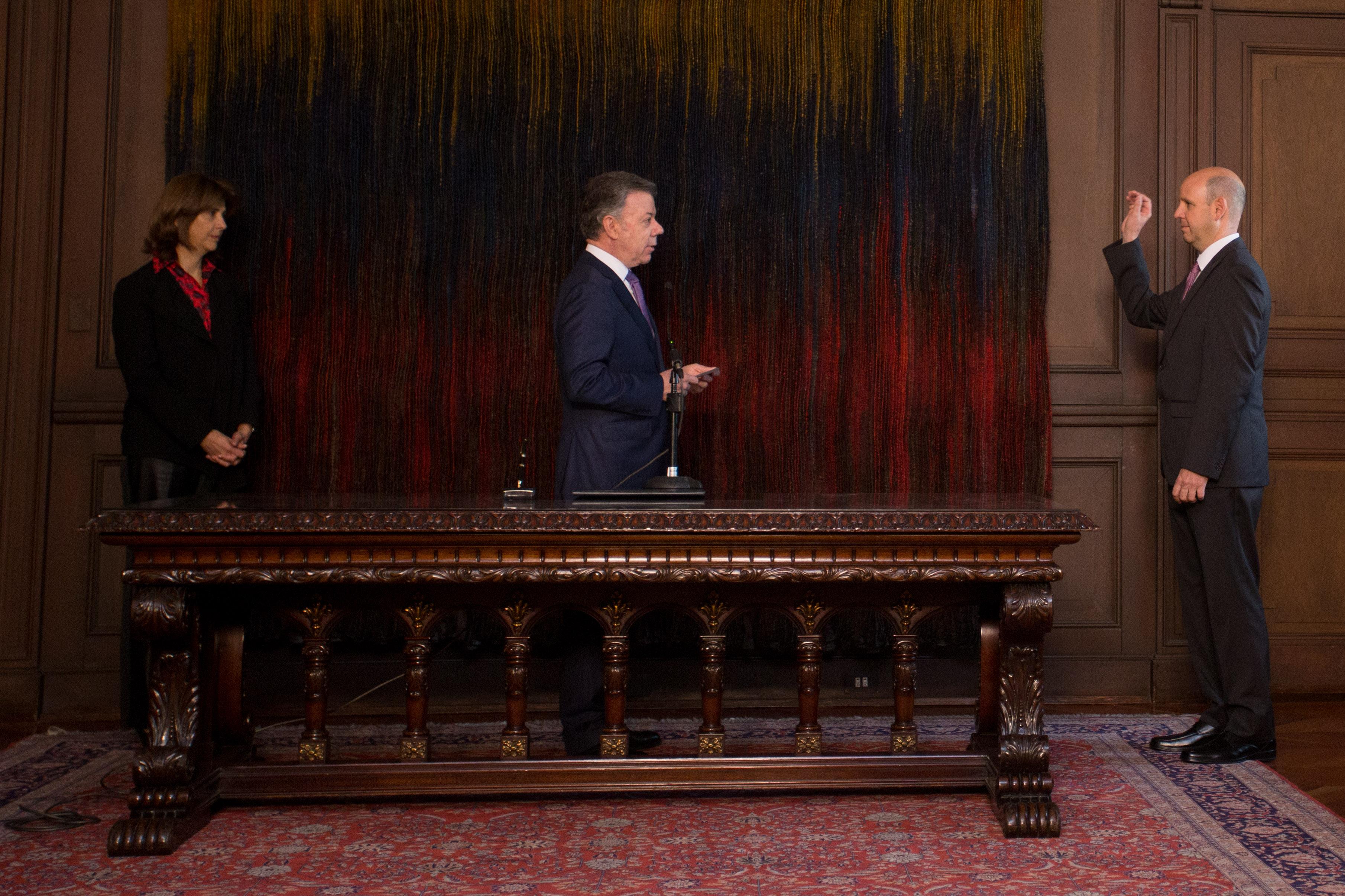 Presidente Juan Manuel Santos posesionó a Juan Claudio Morales como Embajador de Colombia en Panamá