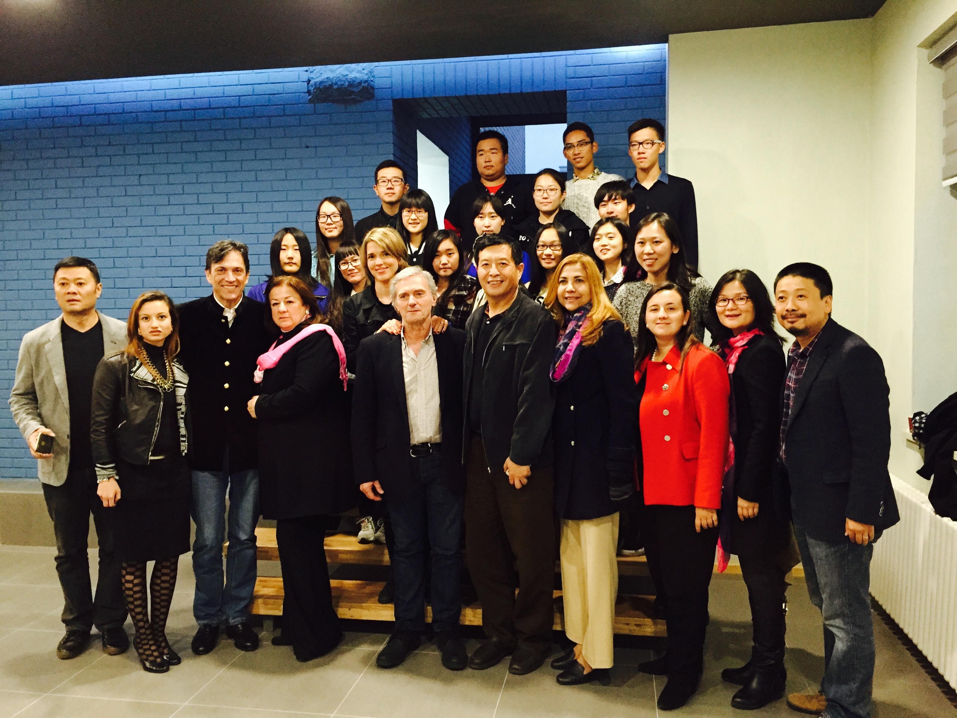 Embajada de Colombia en China inauguró el X Ciclo de Cine en Beijing con la participación del director Sergio Cabrera