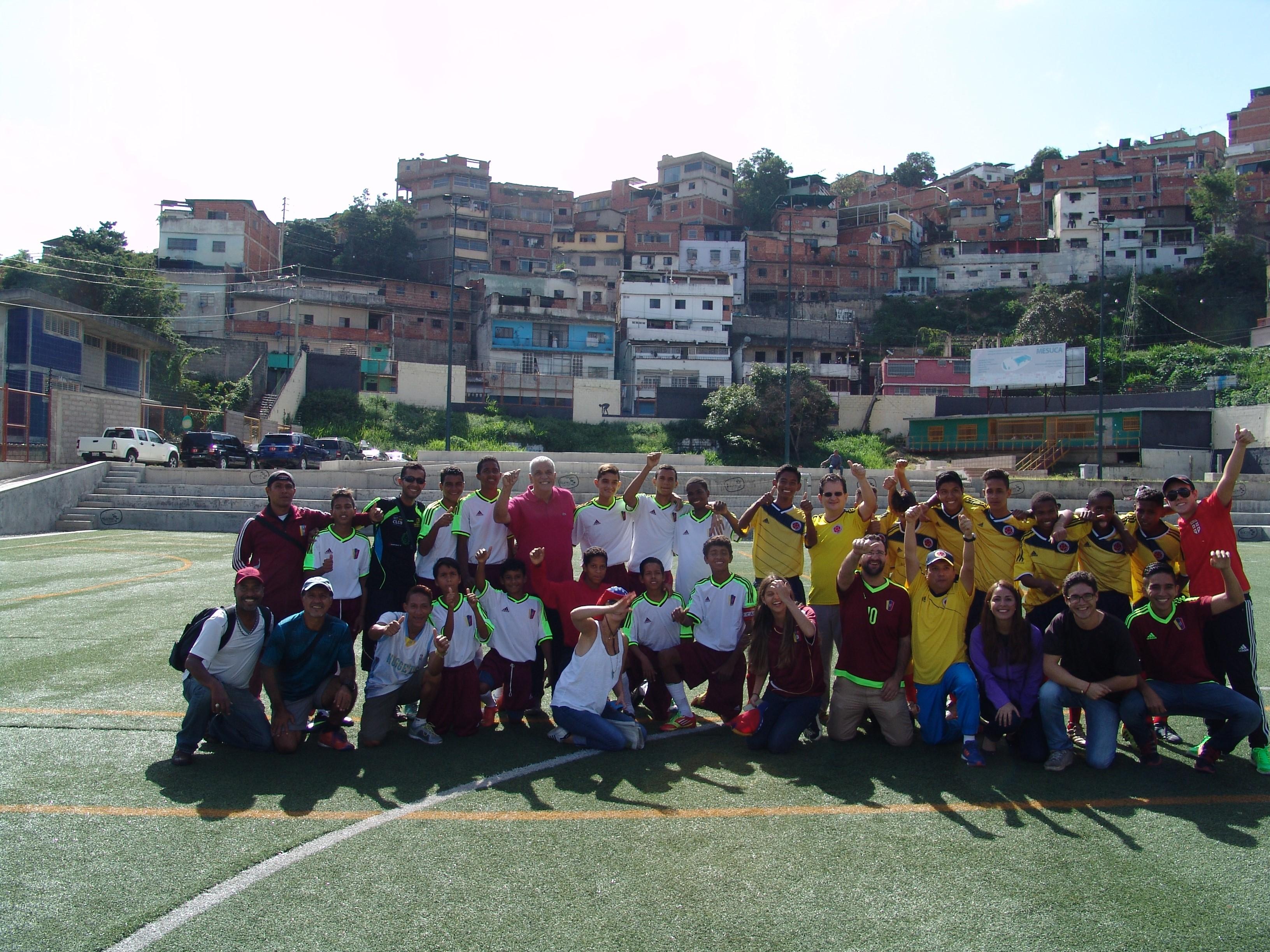 Colombia y Venezuela jugaron por la paz y la integración